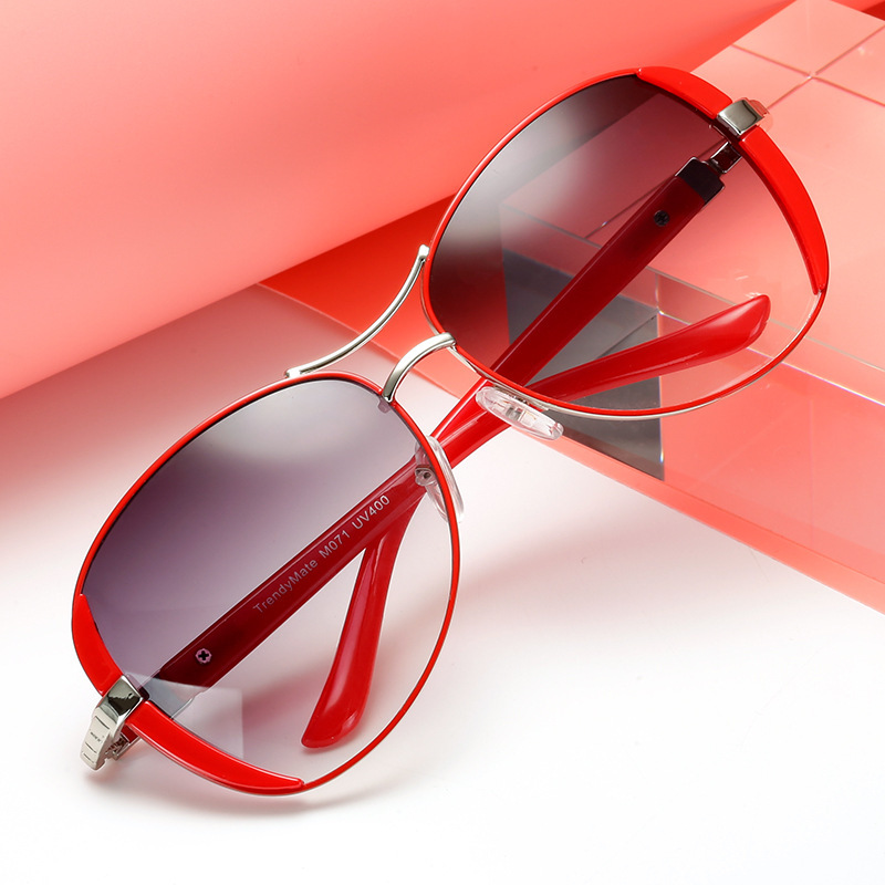 Fashion Women Sunglasses Brand Designer Women Vintage Sun Glasses UV400 Lady Sunglass Shades Eyewear Oculos De Sol