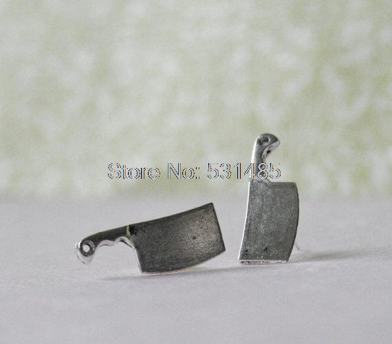 117dde2acb47 10 par lote cuchilla Pendientes de broche cuchillo espárragos Tono de plata  cuchillo Pendientes