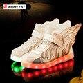 Kids shoes con luces led niños embroma las zapatillas de deporte con el ala niñas led light up shoes chaussure enfant tenis infantil