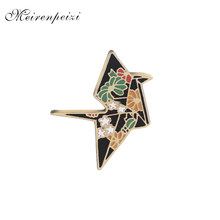 Replica Gru pins in spille Smalto Origami pin Distintivo Giubbotti jeans pin fiore gru brooch di pin per zaino jeans 2018(China)