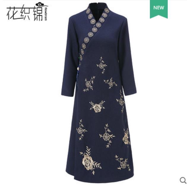 Ethnic embroidered woolen dress slim slim v collar Chinese red festive bottom skirt in the long