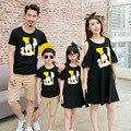 Familia de la manera vestido a juego off hombro vestidos de padre madre hija hijo t camisa ropa de la familia establece cartoon clothing cp32