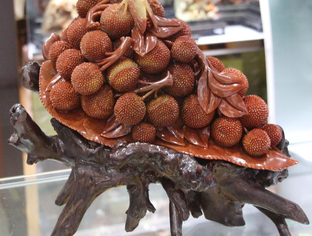 """14""""Natural Shoushan Stone Pure Hand Litchi chinensis Leechee Cicada Leaf Statue