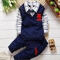 Roupa dos miúdos Moda óculos de Lazer Conjuntos de Roupas de Bebê Menino Camisetas + calças roupas crianças cardigan de algodão de duas peças terno