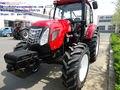 Gran Tractor Agrícola Con El Poder De 130cv