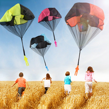 1PCS New Arrival Mini Hand Throwing Kids Play Parachute Toys Kids Outdoor Soldier Sports Game Children's Educational Flying Toys
