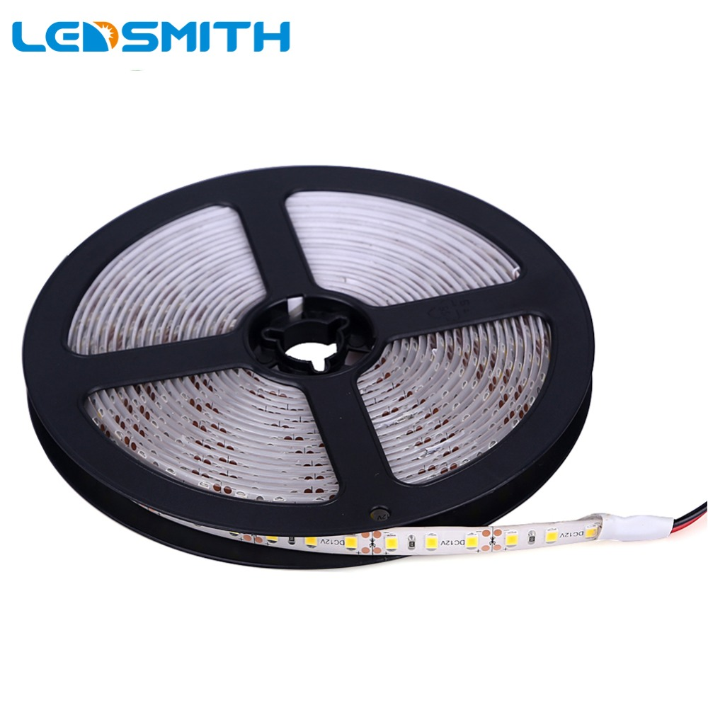 5M 600leder 2835 SMD LED Strip Vanntett IP65 DC 12V høy lysstyrke LED-bånd 120 leds / m Super Bright enn 3528 LED-bånd