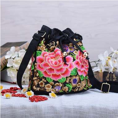 2017 New National Ethnic Embroidery Bags!Hot Handmade Embroidered Shoulder Bag Top lady Flower Bucket Bag Drawstring Handbag 2016 summer national ethnic style embroidery bohemia design tassel beads lady s handbag meessenger bohemian shoulder bag