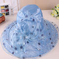 Playa sombreros de sun del Casquillo de las mujeres 2017 de Moda de Verano de Gasa dot Plegable Floppy Sun Sombreros Casuales Damas Retro de flores bowknot sombrero de Las Muchachas