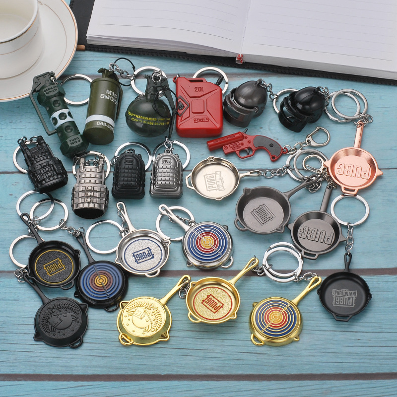 Game PUBG Keychain Cosplay Props Alloy Level 3 Helmet Armor Plane Pan Model Keyring