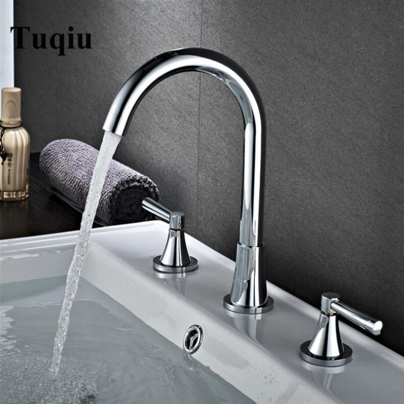 Basin Faucets Chrome Sink Mixer North American style Bathroom Sink Faucet widespread 3 Hole Bathroom basin MixerBasin Faucets Chrome Sink Mixer North American style Bathroom Sink Faucet widespread 3 Hole Bathroom basin Mixer
