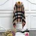 A cuadros moda abrigo de cachemira capa de las mujeres con cuello de piel de mapache recorte real, venta caliente novia chales, mujeres pashmina