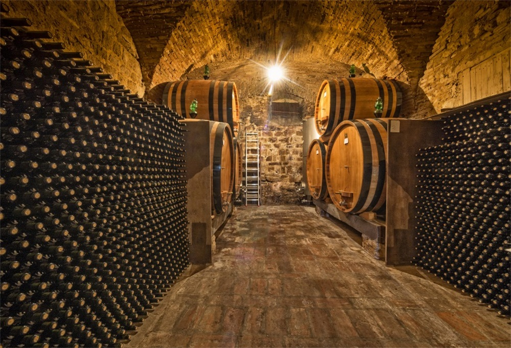 Wine Press: How does oak affect our passion for wine? (by ...   Barrel Wine Cellar