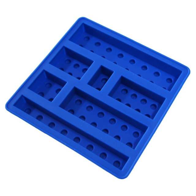 New Fashion Arrival Hot Selling Blue Color Silicone Lego Shaped Ice Mold 8  Robots Kitchen