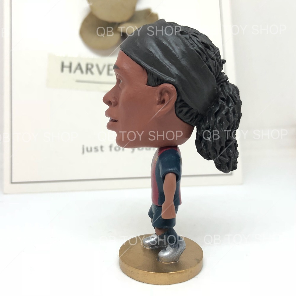 Ronaldinho 10# Classic B Movable Joints Resin Collectible Model Toy Action Figure