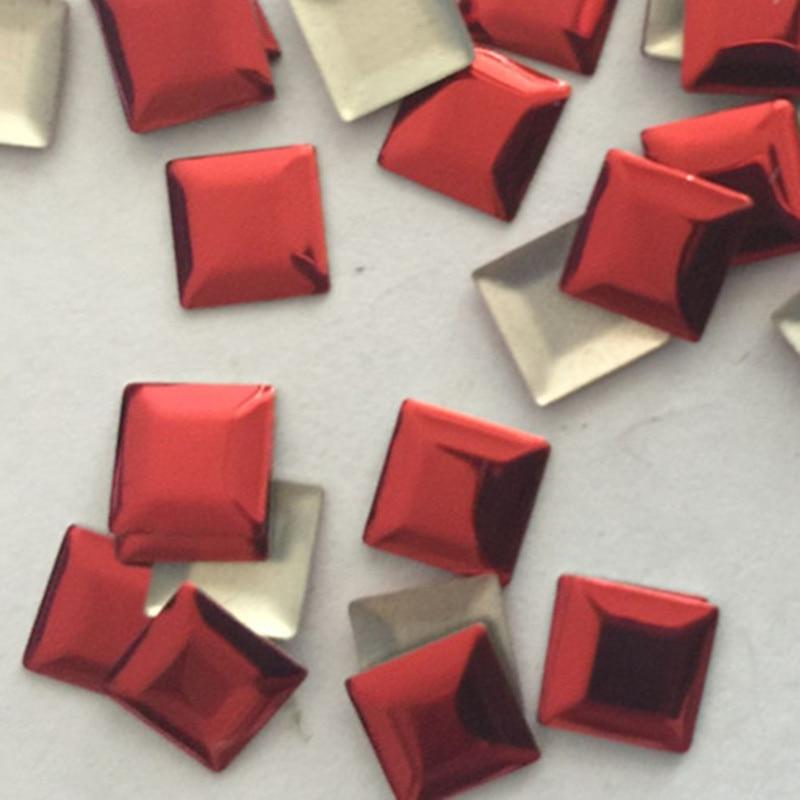 50 Pz 10*10mm Quadrato Rosso Borchie Hotfix Della Parte Posteriore Piana Ferro Su Perline Flatback Rhinestuds Trasferimento Di Calore Per Indumenti Fai Da Te Accessori