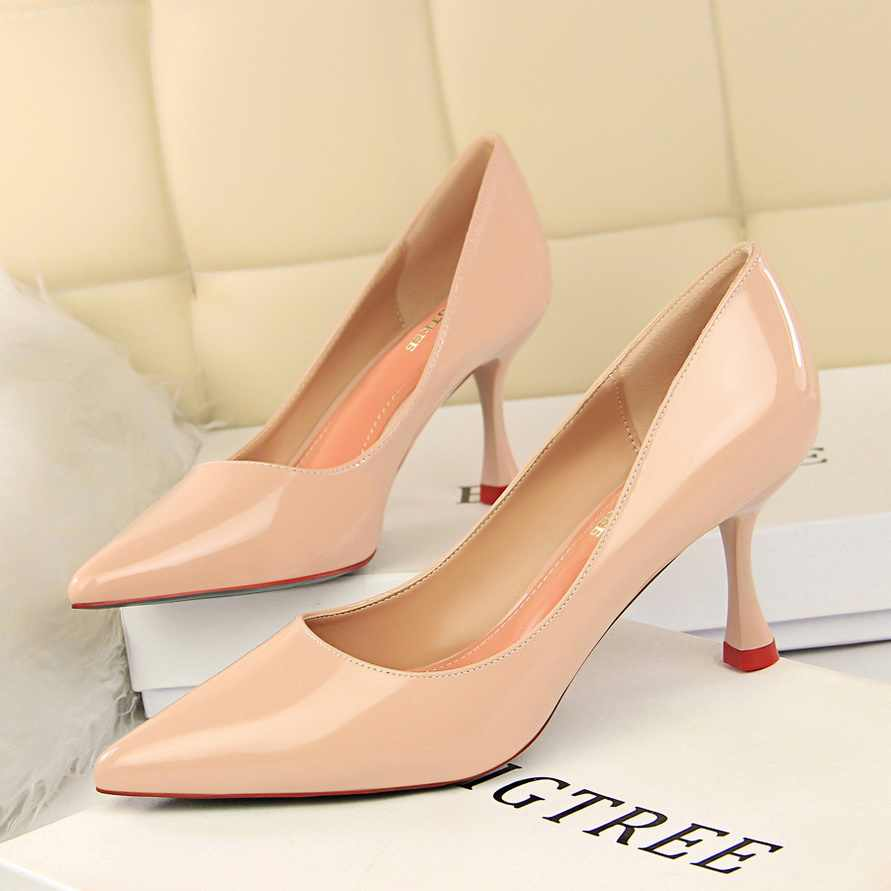 990cd8711b8 Detail Feedback Questions about 2018 Women 7cm Med High Heels ...