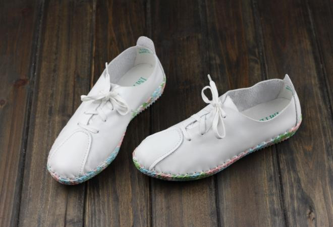 wedding white shoes