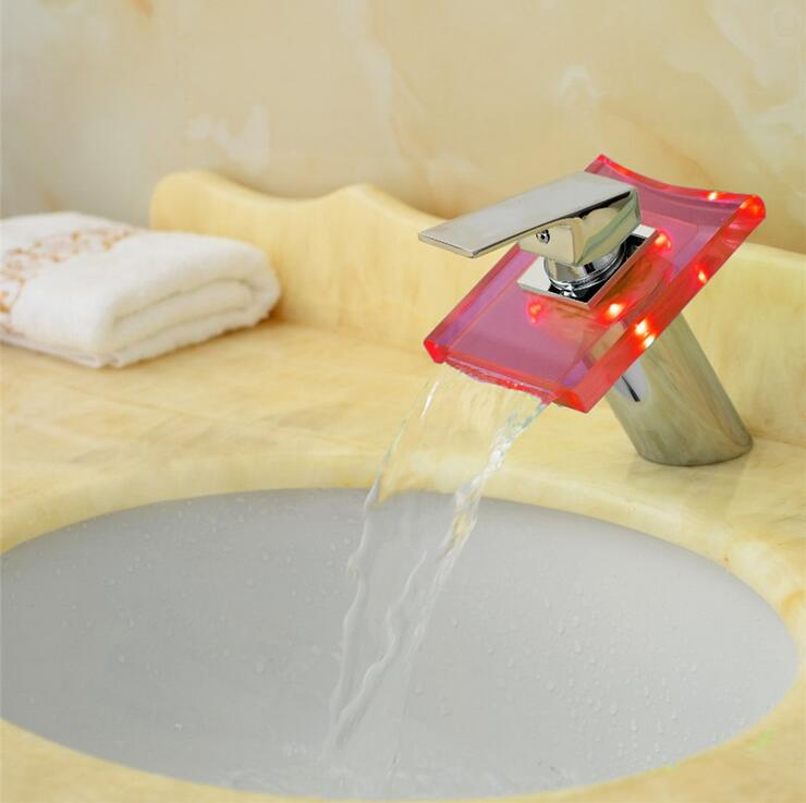 Robinet de lavabo court en cuivre robinet d'eau de mélangeur de cascade, LED de robinet de bassin d'évier de salle de bains, robinet de lavabo en laiton en verre chaud et froid - 4