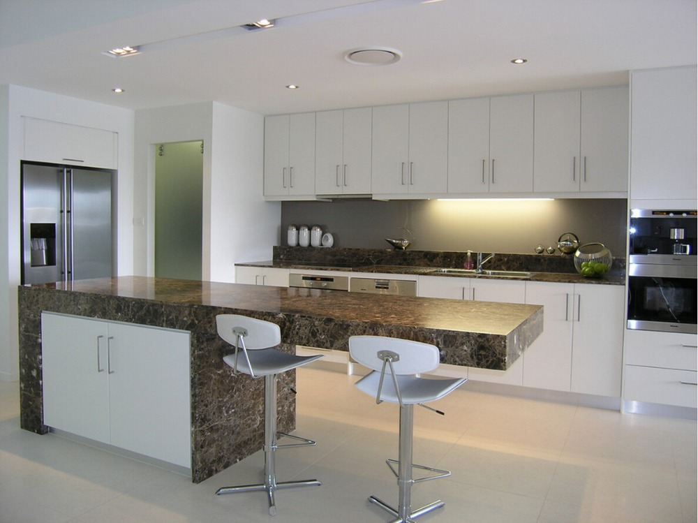 White Lacquer Kitchen Furnitures Contemporary Style Kitchen Cabinets