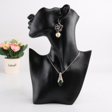 New 1PC Realistic Mannequin Half Head Eardrop Necklace Resin Jewelry Bust For Earring Display Mold Stand Black handiwork