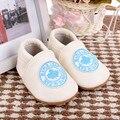 Folha de bordo dos desenhos animados Sapatos de Bebê de Couro Genuíno Mocassins Bebê Primeiro Walkers Bebe recém-nascido antiderrapante Interior sapatos Frete grátis