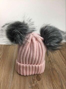 2017 جديد إمرأة لطيف محبوك الاكريليك + الثعلب الفراء بوم بوم بيني الشتاء قبعة صلبة