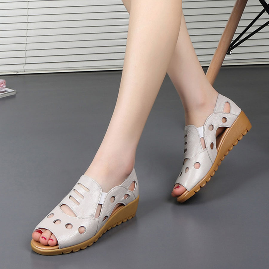 Summer New Nice Quality Peep Toe Women'S Sandals Soft Anti-skid Breathable Hollow Out Slip-on Casual Mother'S Solid Shoes Female