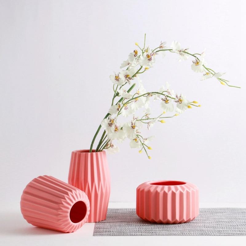 Set of 3 Origami Design Vase Ceramic Flower Vase Home Decor Elegant Tabletop Vase Porcelain Craft