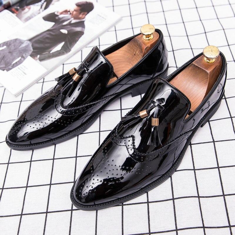 Ayakk.'ten Erkek Rahat Ayakkabılar'de CIMIM Marka siyah ayakkabı Erkekler Erkek Patent Deri siyah ayakkabı Lüks Püskül Loafer'lar Üzerinde Kayma Ofis Resmi Elbise Ayakkabı Erkekler'da  Grup 3