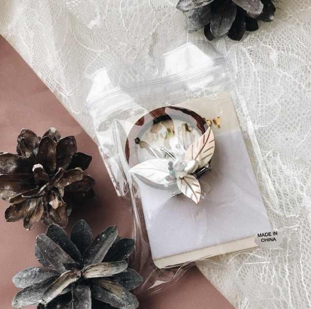 Wuli Bayi Bingkai Bulat Kayu Simulasi Mutiara dan Shell Bunga Bros Fashion Wanita Perjamuan Pernikahan Bros Tahun Baru hadiah