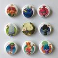 Hot 18 pçs/lote Trolls Emblemas Botões Pinos Emblemas Rodada Sacos de moda peças de acessórios Do Partido Dos Miúdos das crianças Presentes