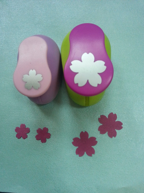 2 piezas (2,5 cm 1,6 cm) sakura forma perforar conjunto golpes Perforadoras Para Scrapbooking cortador de papel perforadora de espuma EVA