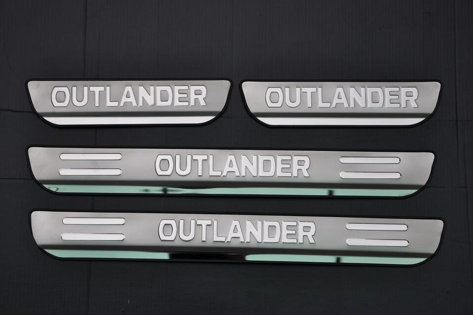 Plaque de seuil de seuil de porte en acier inoxydable pour Mitsubishi Outlander 2013-2018