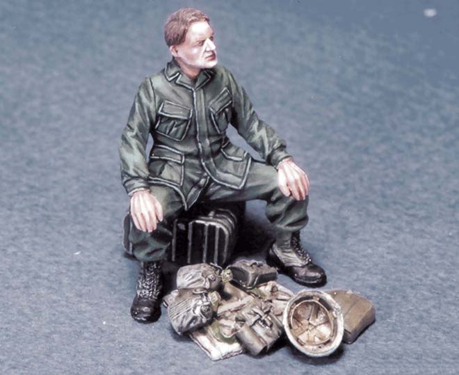 pre order-Resin toys L0017 US Soldier at rest #2 Vietnam Free shipping free soldier черный маленький