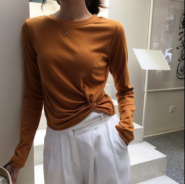 Début de l'automne lâche semble mince Hong Kong saveur solide couleur cravate à manches longues T shirt Corée version style court veste base chandail