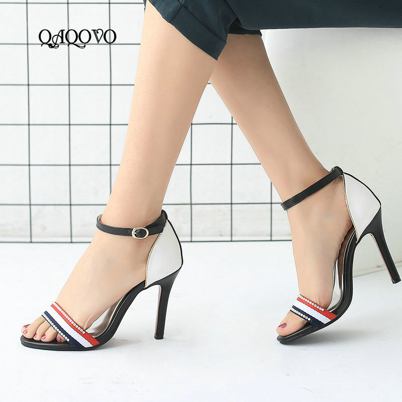 7e56e347821520 Partie Hauts Nouvelles Noir Mince Robe 43 Sexy La Taille 2019 Chaussures Femmes  Sandales De D'été rouge Mode Talons ...
