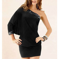 Summer Dress Fashin Style Single Shoulder Sleeve Bat Costume Sexy Package Buttocks Tight Mini Dress For