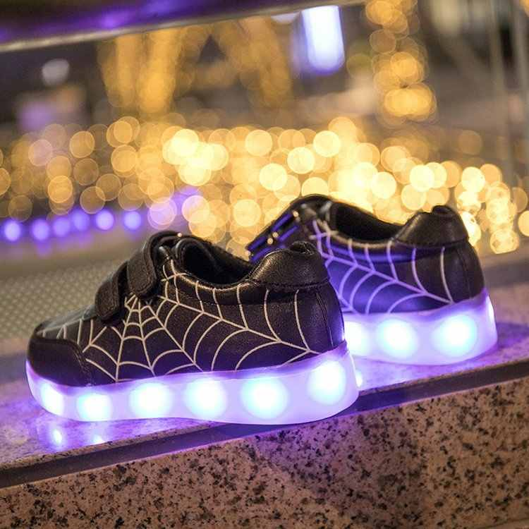 Nuevos zapatos zapatillas para niños brillantes con luz USB de carga luminosas zapatillas iluminadas niño niñas coloridas LED niños zapatos led