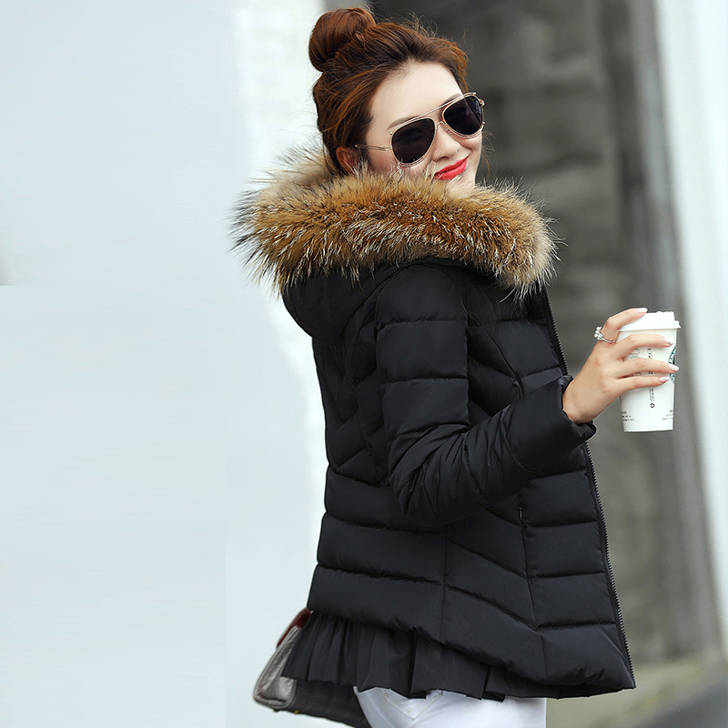2017 New Fashion Winter Parkas Women Short Slim Hooded Fur Collar Jacket Thick Cotton Wadded High Quality Female Outwear YP0437 snow wear 2017 high quality winter women jacket cotton coats fur collar hooded parkas fashion long thick femme outwear cm1346