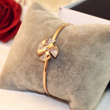 2018 Fashion Version Same Windmill Rotating Bracelet Charm Bracelets for Women Crystal Jewelry Free