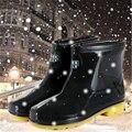 2016 moda botas de chuva PVC rainboots curtas com veludo quente antiderrapante bot galochas galochas à prova d' água