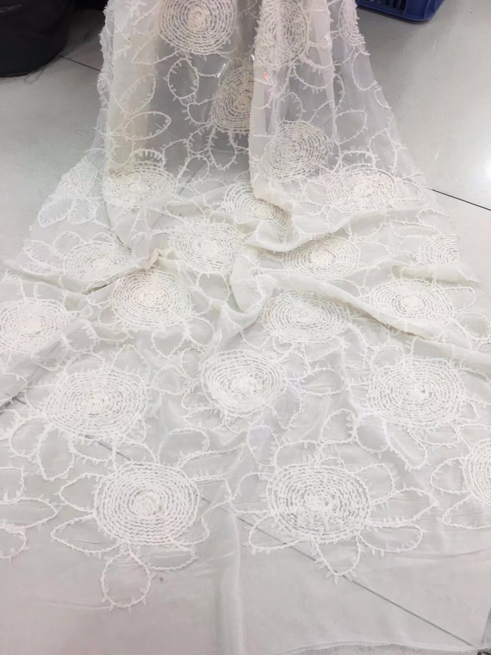 African Lace Fabric 2018 Embroidered Nigerian Laces Fabric Bridal High Quality French Tulle Lace Fabric For WomenAfrican Lace Fabric 2018 Embroidered Nigerian Laces Fabric Bridal High Quality French Tulle Lace Fabric For Women