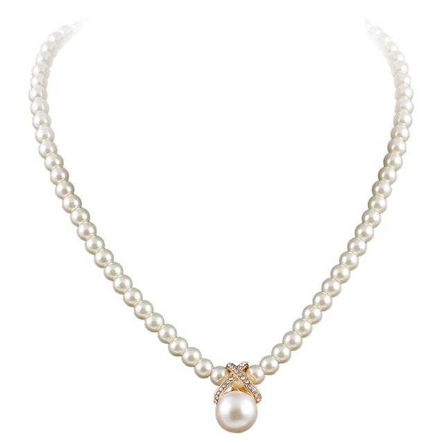 17KM Korean Fashion Imitation Pearls Cute Rhinestone Pendant Necklace Hot Sale Jewelry For Women Wholesale