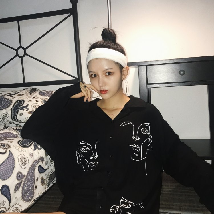 80557706594a Summer Shirt Women Harajuku Blouses Line Face Print Retro Long Sleeve  Cotton Tops Blouse Black White Shirt Top Blusa Feminina-in Blouses   Shirts  from ...
