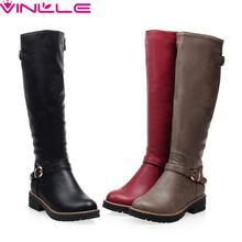 รองเท้าฤดูหนาวรอบนิ้วเท้าแฟชั่นผู้หญิงเข่าสูงหนังPUทุกการแข่งขันmedส้นสีดำสีเทาสีแดงสุภาพสตรีรองเท้า