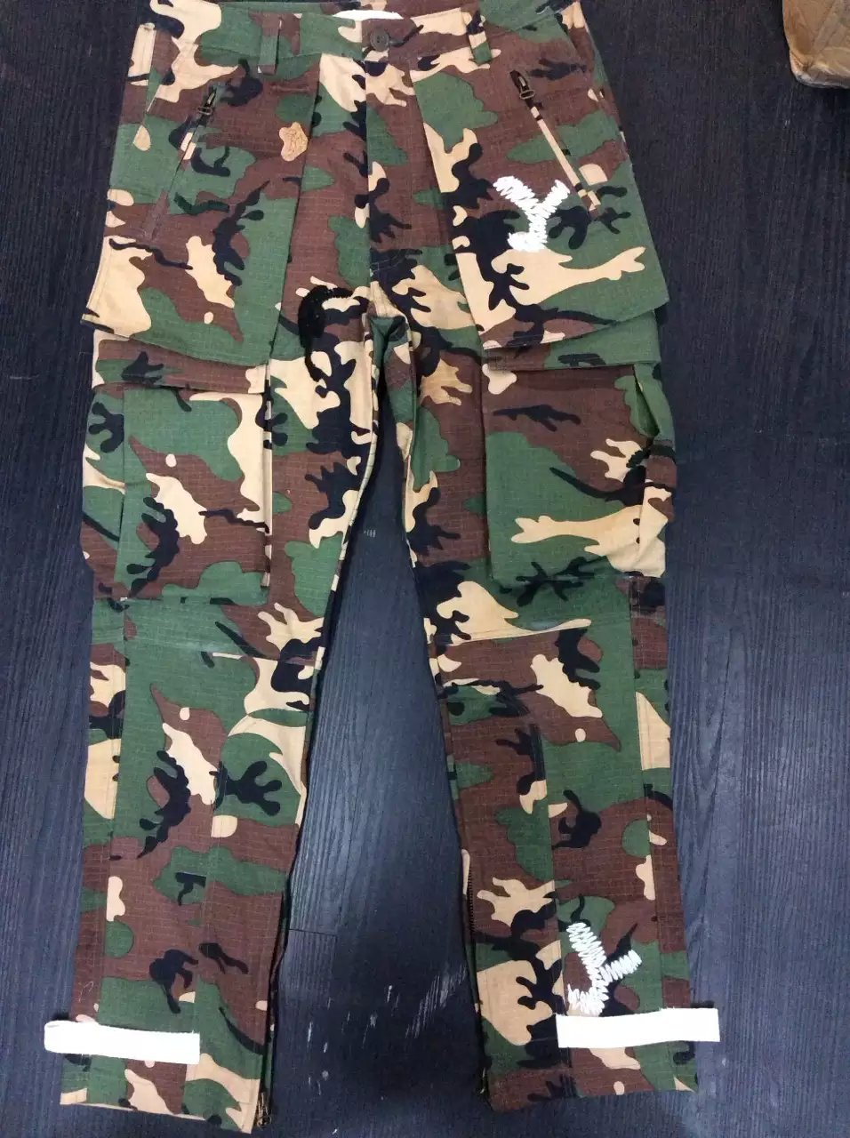 93f8d67dc1b4 OFF WHITE c o Virgil Abloh 15AW Kanye West autumn winter sport casual camo  cargo pants high embroidered technology military men-in Cargo Pants from  Men s ...