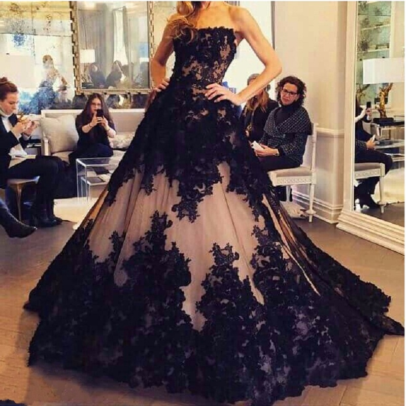 Gothic Black Wedding Gown Strapless Court Train Puffy Classic Lace ...