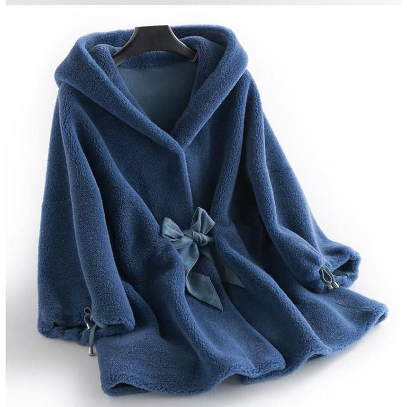 2019 Women Winter Real Fur Overcoat Sheep Shearing Lady Casual Warm Natural Sheep Genuine Lamb 100% Wool Fur Hooded Coat V269