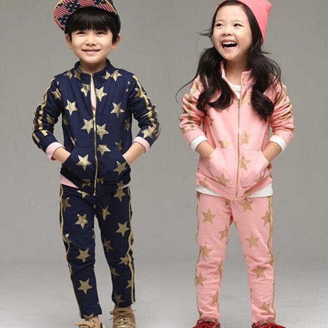 Sistemas de la ropa 2016 otoño niña estrella de cinco puntas Niños Escuela de Algodón Impreso T-shirt + Pants Conjuntos traje de niño prendas de vestir exteriores
